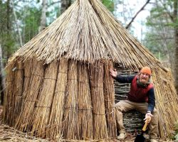 Thatched Reed Winter Survival Shelter Part 2 of 2 (87 days episode 18)